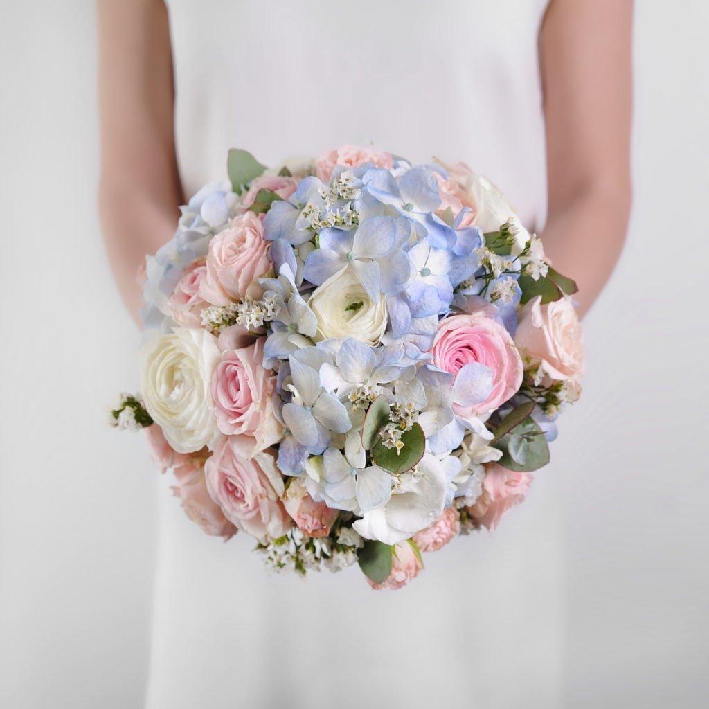 """Свадебный букет созданный студентом в рамках курса """"Профессия флорист"""". Фото @havikozoki"""