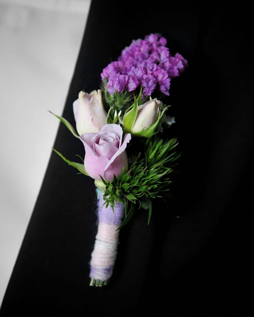 """Бутоньерка созданная студентом в рамках курса """"Профессия флорист"""". Фото @havikozoki"""